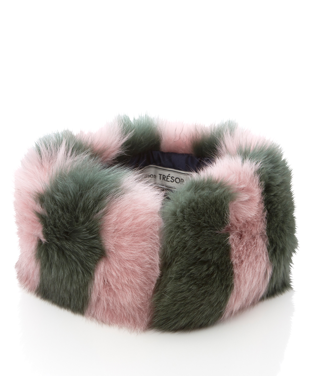 Border fox fur collar